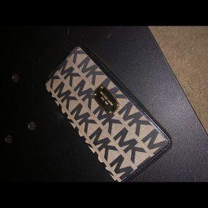 Michael kors wallet. Mint condition.